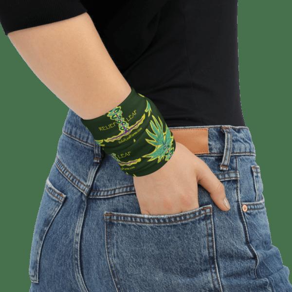 Relief Leaf Neck Wrap